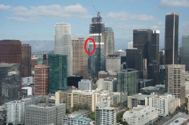 Elektryk spadł z drapacza chmur w Los Angeles. Leciał przez ok. 250 metrów