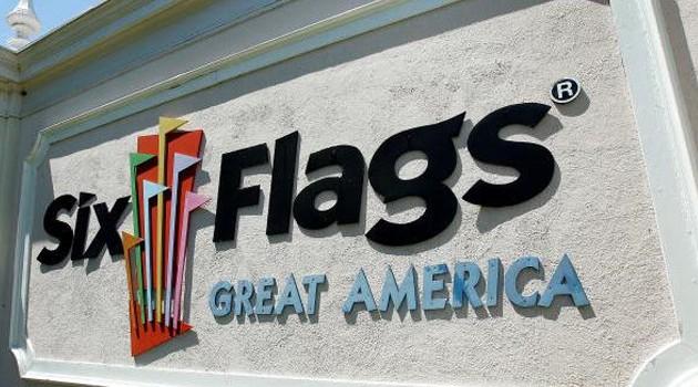 Matka może zaskarżyć Six Flags za pobranie od syna odcisków palców