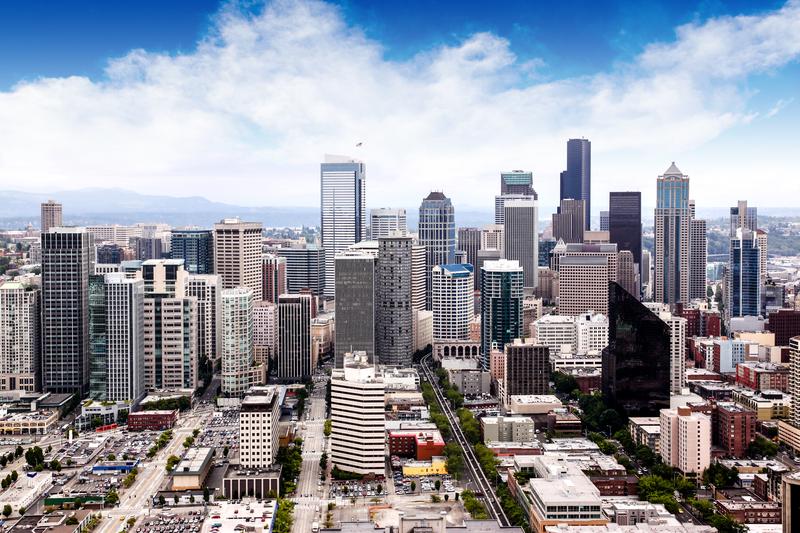 Nowe przepisy ułatwią znalezienie mieszkania emerytom i weteranom w Seattle