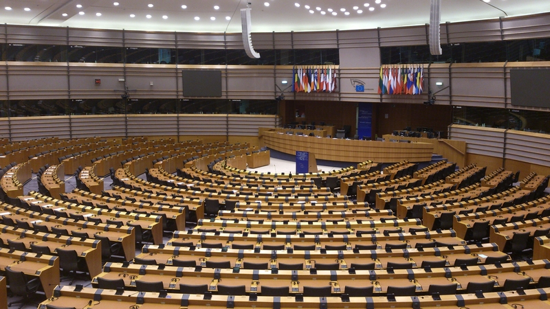 Europosłowie ulegli naciskowi internautów: Parlament Europejski przeciwko procedowaniu dyrektywy w sprawie praw autorskich w sieci