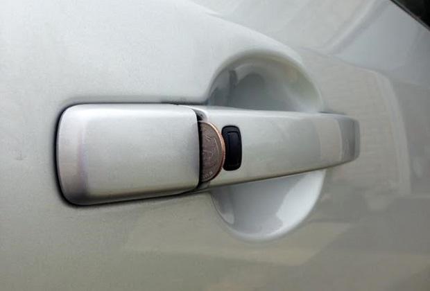 """""""Na monetę"""" – nowy trik złodziei samochodowych"""