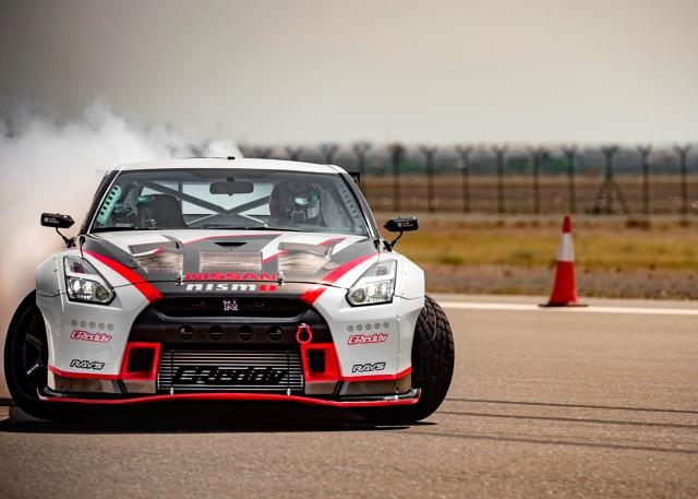 Nissan pobił rekord Guinnessa w drifcie