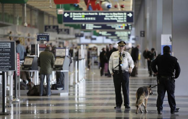 Francuz groził ładunkiem wybuchowym pracownikowi chicagowskiego lotniska