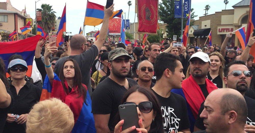 Tysiące Ormian przeszły ulicami Los Angeles