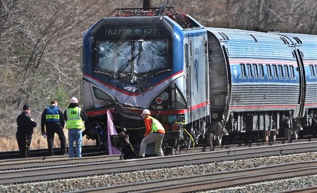 Niedaleko Filadelfii wykoleił się pociąg. Nie żyją dwie osoby, dziesiątki są ranne