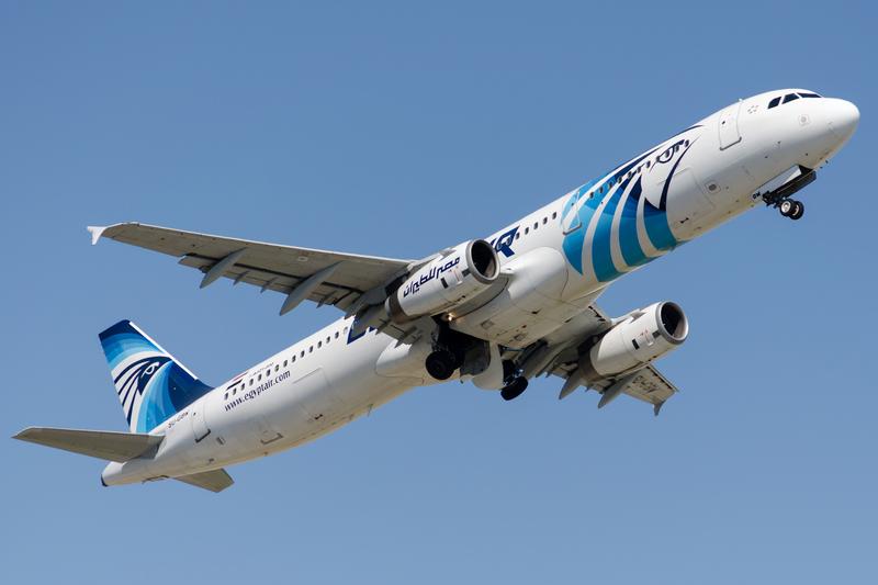 Na pokładzie Airbusa EgyptAir pojawił się dym. To wnioski z automatycznie przekazywanych danych lotu