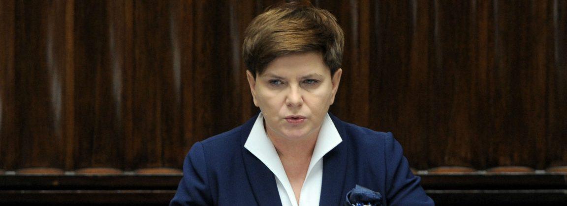 """Szydło: Wniosek PO o wotum nieufności dla rządu PiS """"jest stekiem kłamstw, oszczerstw"""". Schetyna: Tym rządem kieruje Prezes Kaczyński"""