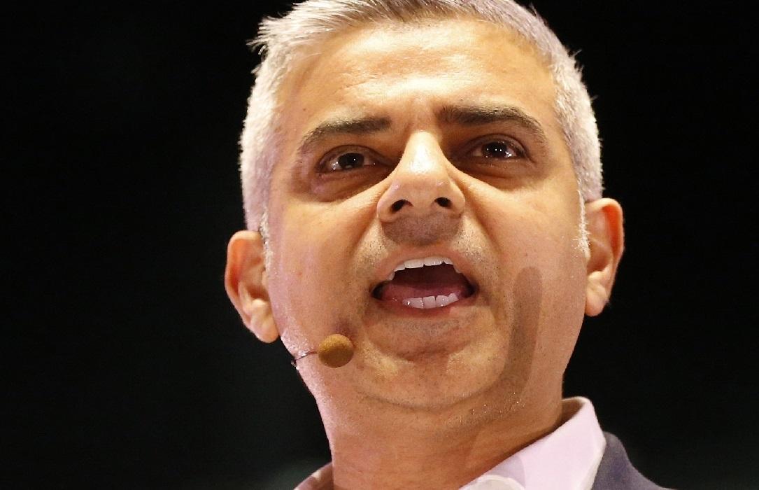 Muzułmanin Sadiq Khan faworytem na stanowisko burmistrza Londynu