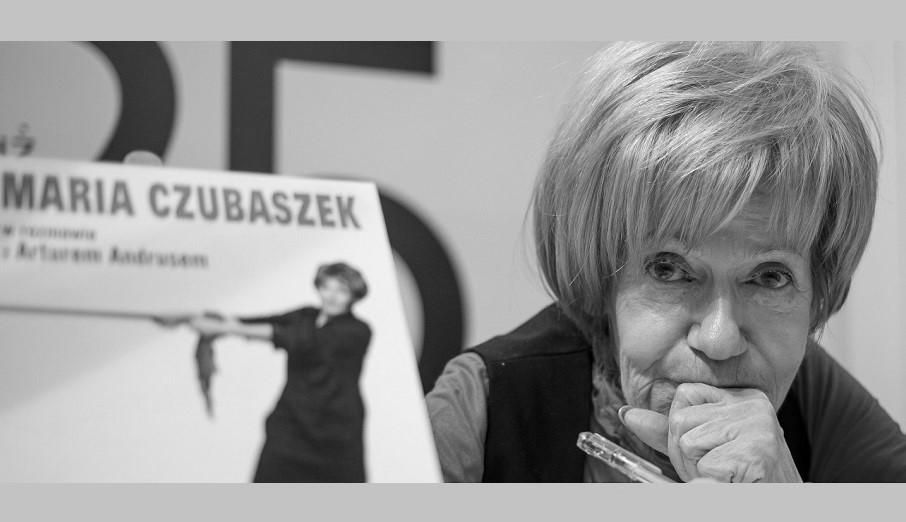 """""""Ona nie odeszła. Ona wyszła na papierosa"""" – wspomnienie o Marii Czubaszek"""