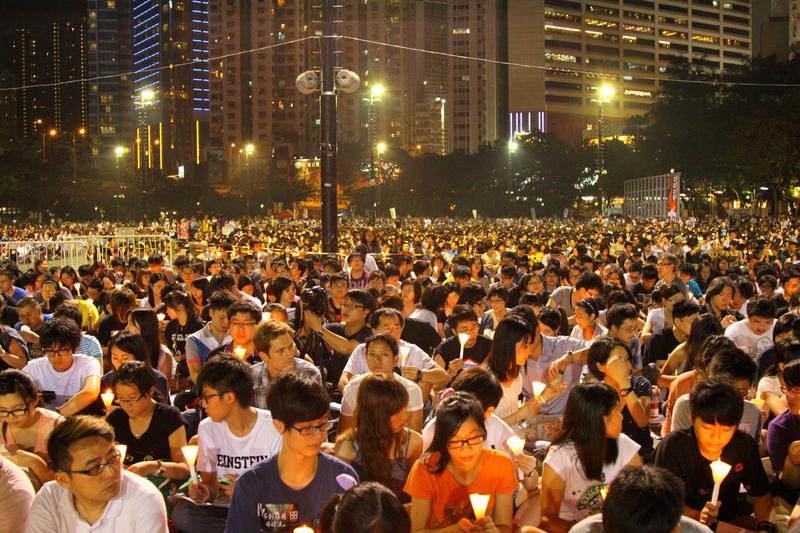 Policja użyła gazów łzawiących przeciwko manifestującym w Hongkongu