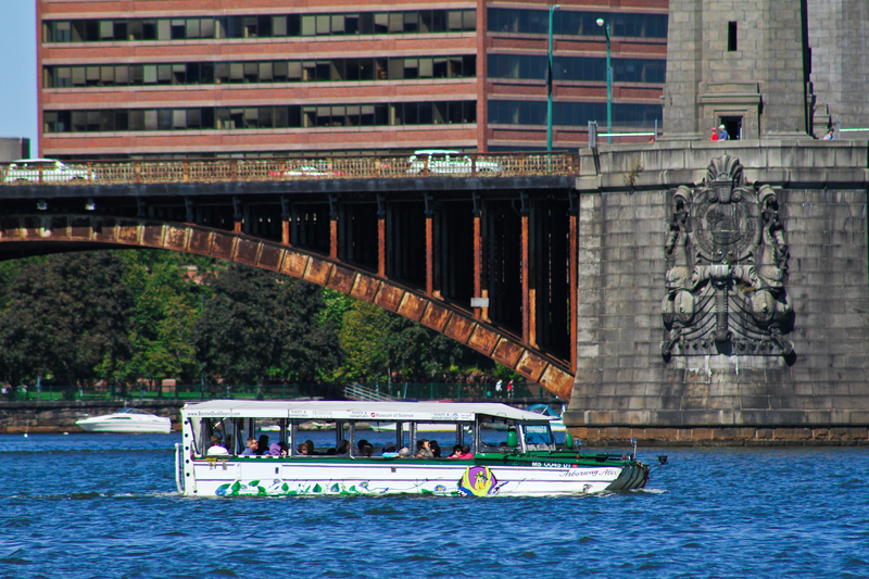 Jedna ofiara śmiertelna zderzenia z amfibią Boston Duck Tours