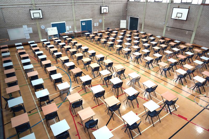 Student groził, że zabije profesora, bo ten zaplanował egzamin na 7 rano