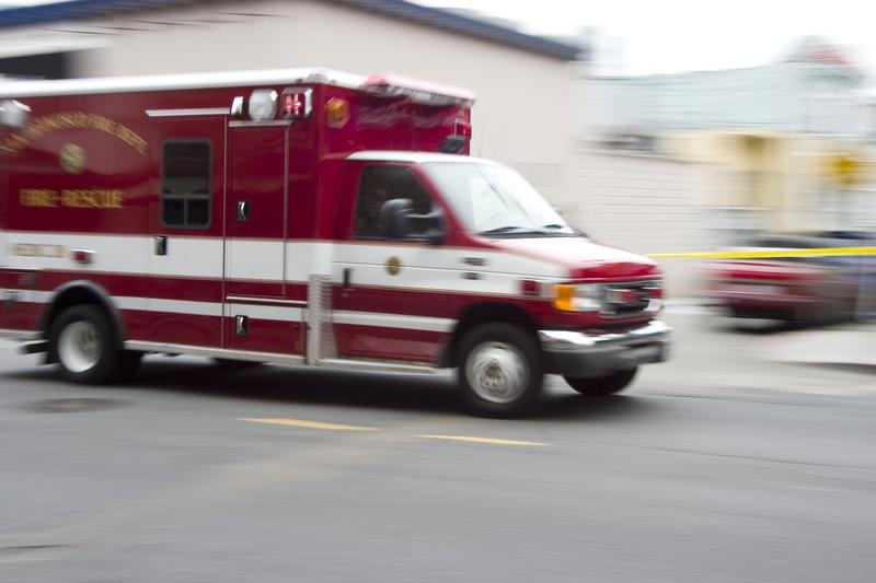 Studentka przewróciła się na chodniku i zmarła