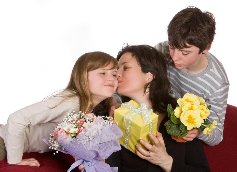 Dzieci polskich imigrantów celebrują dziś Dzień Matki