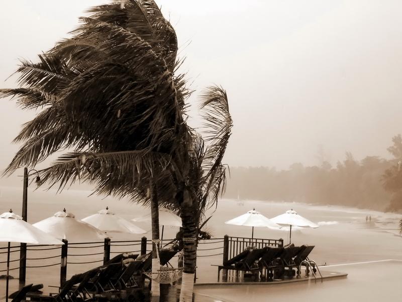 Ameryka w oku cyklonu. Huragan Florence dotarł do wschodniego wybrzeża
