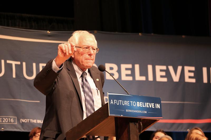 """Tysiące na wiecu Sandersa w Kalifornii. """"Wygraliśmy w Oregonie, wygramy i tu"""""""