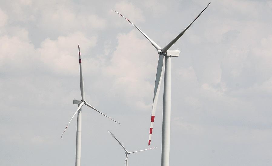 Niemcy: Premie pieniężne za wiatraki pod oknami