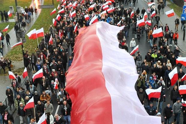 W całej Polsce obchody Dnia Flagi