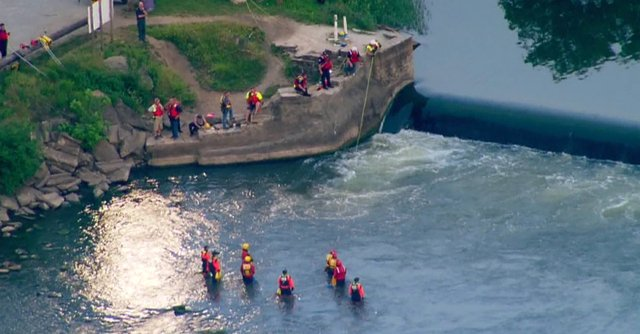 Poszukiwania 12-latka, który zaginął pływając w rzece Kankakee