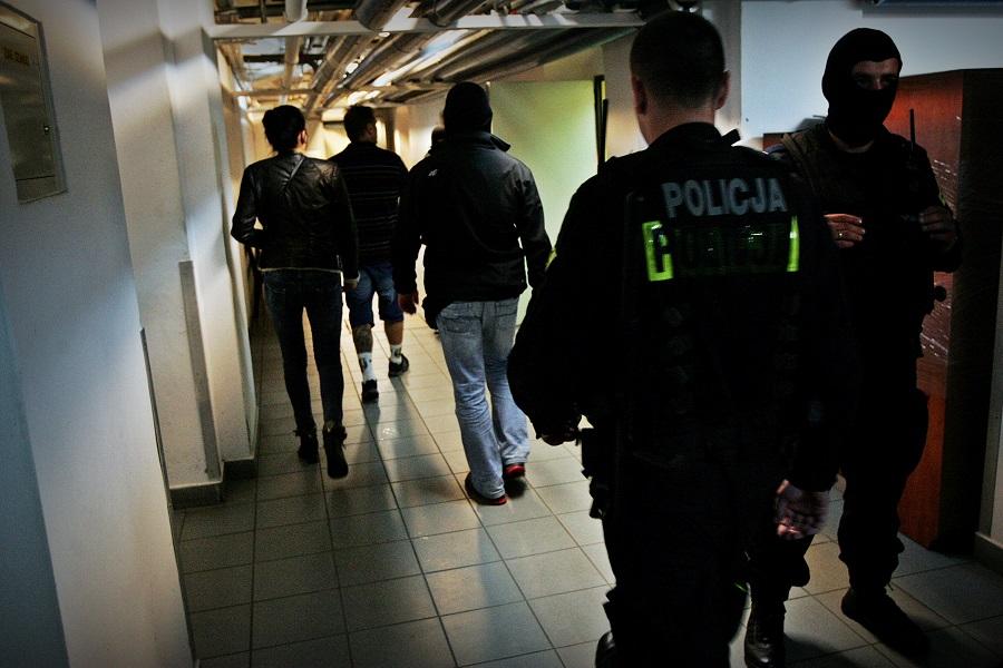 Kraków: Policja rozbiła gang narkotykowy. Zatrzymano 11 osób
