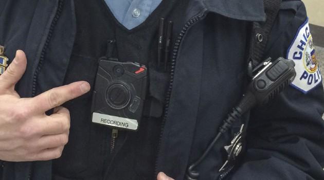 Policja w Bostonie dostanie na stałe kamery przy mundurach