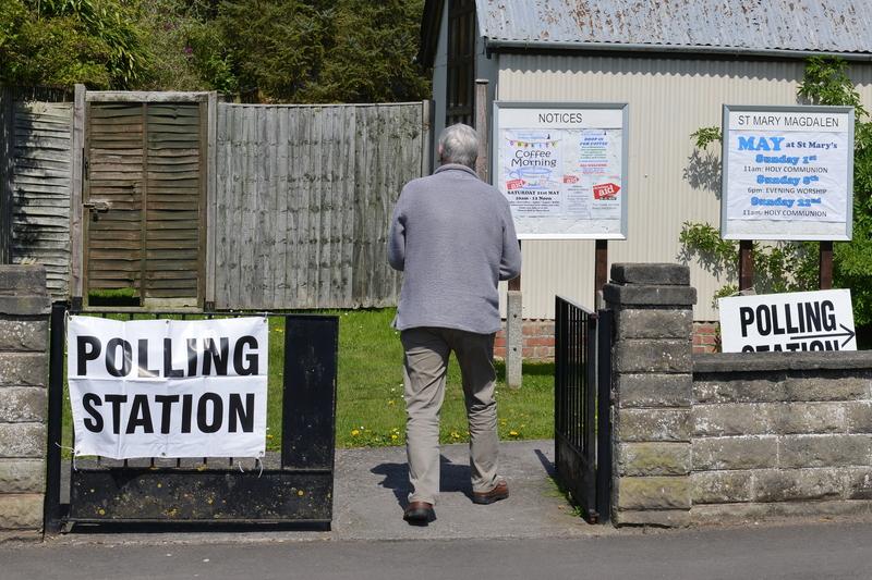 Część obywateli UE, w tym Polacy, nie mogła zagłosować w dzisiejszych eurowyborach w Wielkiej Brytanii. Powód?