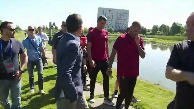 Ronaldo wyrzucił reporterowi mikrofon do jeziora