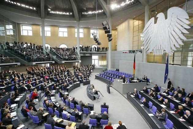 Niemieccy parlamentarzyści jak dzieci: Nikt nie chce siedzieć obok AfD…