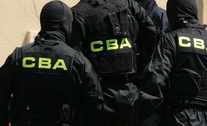 CBA zatrzymało trzy osoby ws. wyłudzenia kilkudziesięciu mln zł