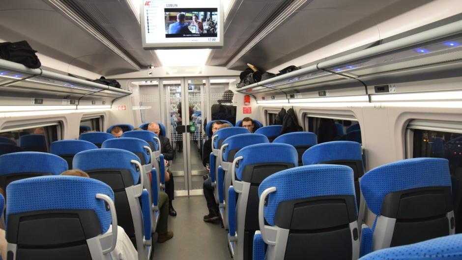 PKP chce stworzyć kanon savoir-vivre'u w pociągach