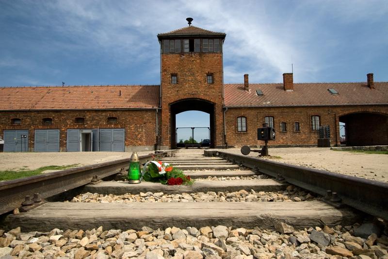 """Włoska agencja prasowa nazwała Auschwitz """"polskim obozem koncentracyjnym"""""""