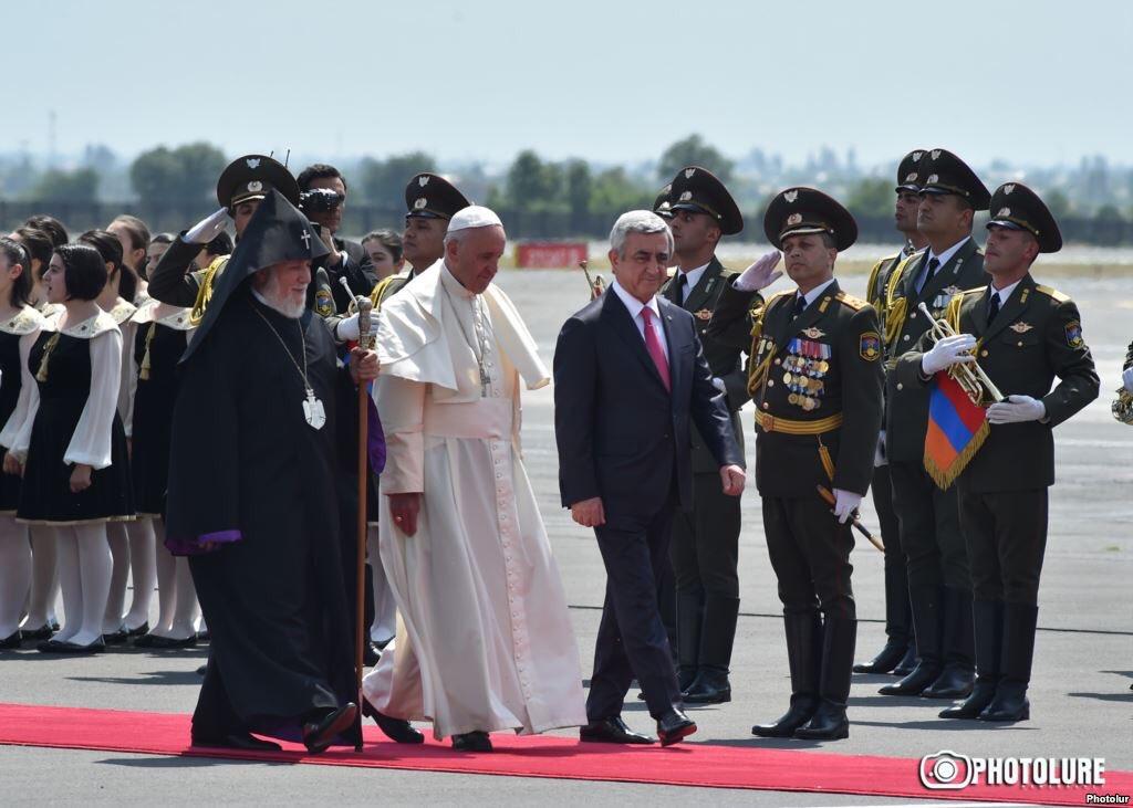 Papież Franciszek przebywa z wizytą w Armenii