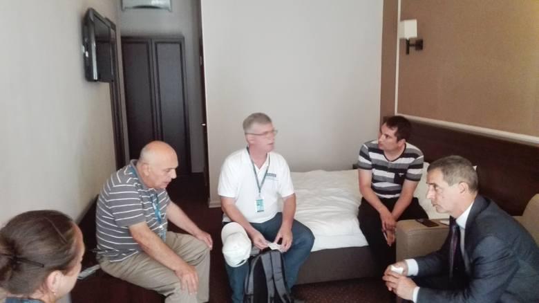 Polski senator uwięziony w  hotelu w Odessie