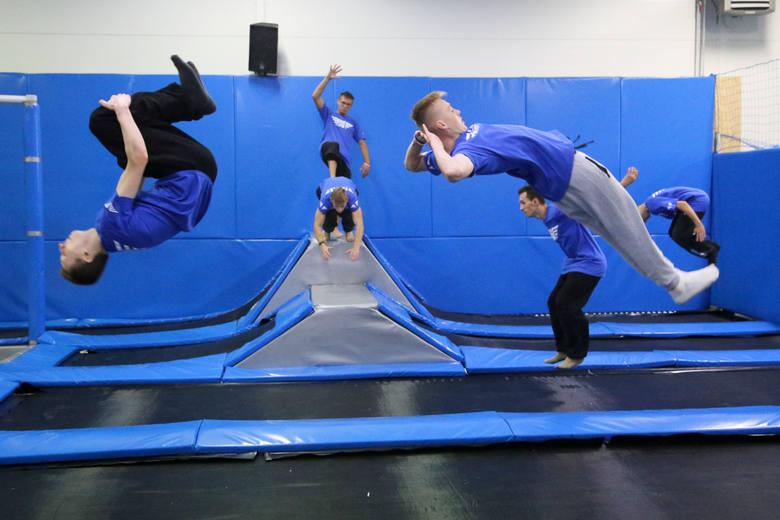 Szaleństwo w Białymstoku – trampoliny, skoki, adrenalina…