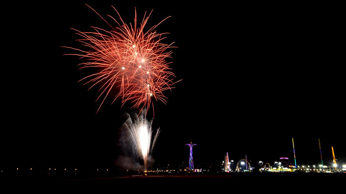Wakacyjne pokazy fajerwerków na Coney Island