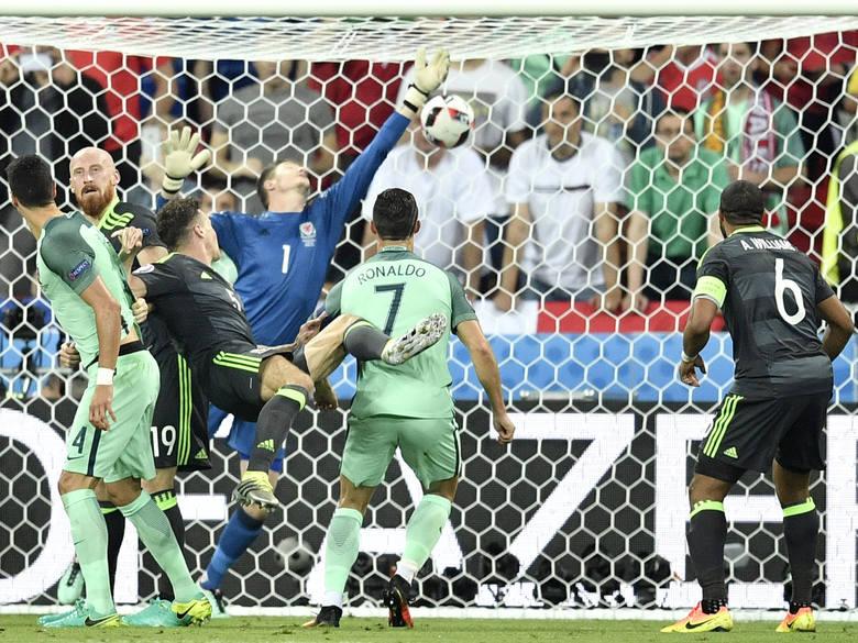 Ronaldo i Nani załatwili Walię. Portugalia w finale Euro 2016!