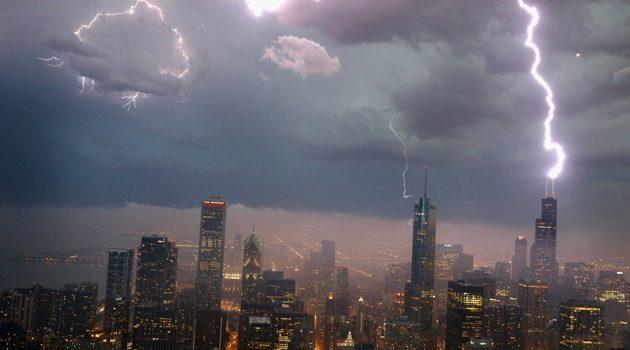 Burze przeszły przez Chicago. Ponad 22 tysiące odbiorców bez prądu