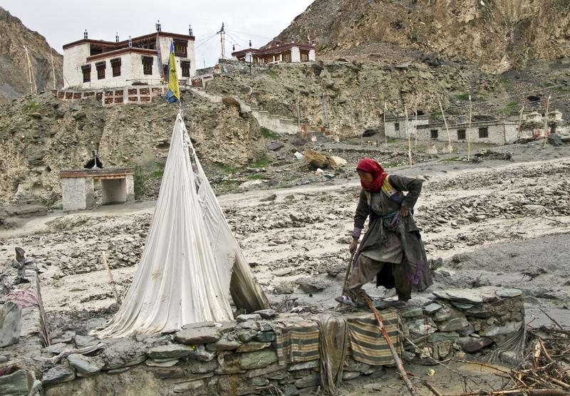 Monsunowe deszcze w Nepalu i Indiach zbierają śmiertelne żniwo