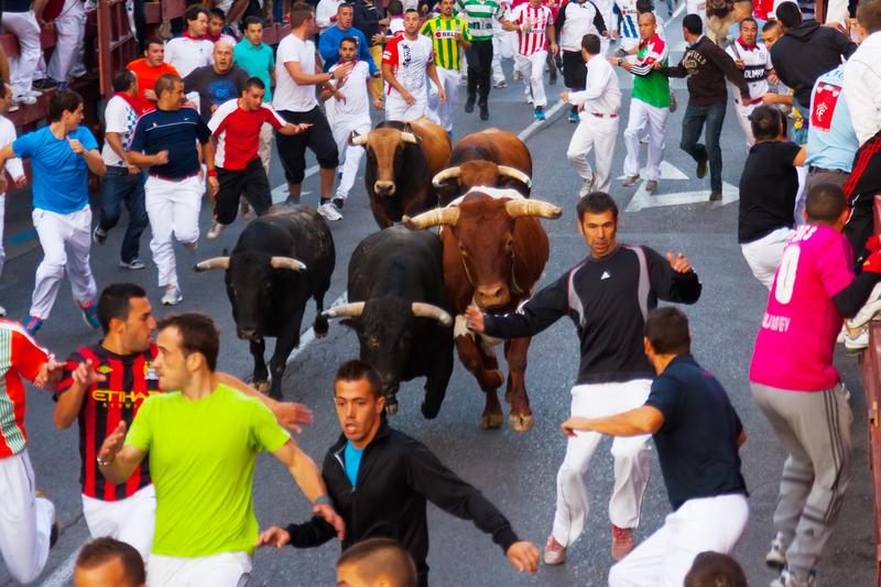 Hiszpania: 35 osób zostało rannych podczas tegorocznych gonitw z bykami w Pampelunie