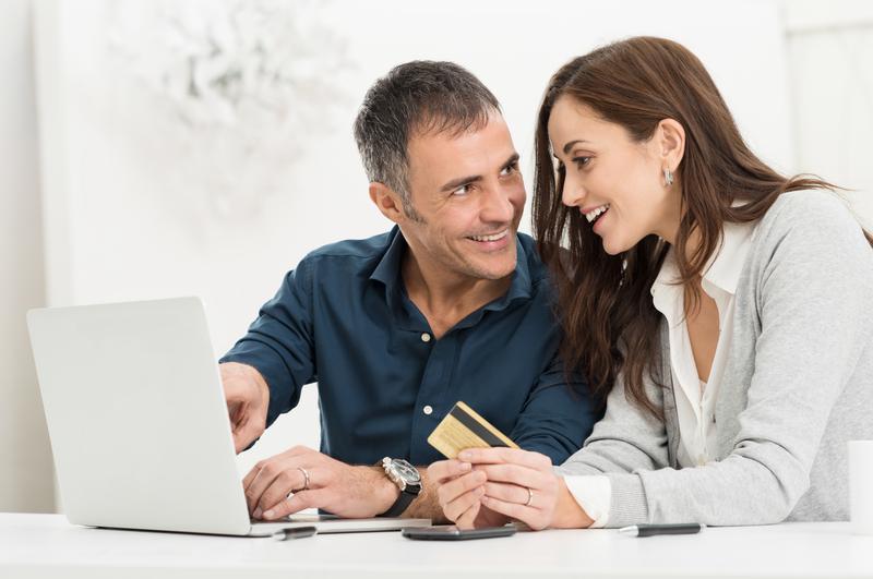 Dlaczego starszy partner jest lepszy od rówieśnika?