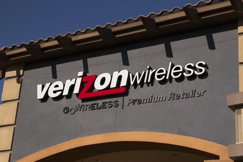 Koncern telekomunikacyjny Verizon kupuje Yahoo