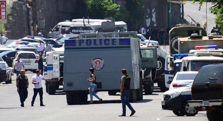 W Erywaniu doszło do starć policji z demonstrantami