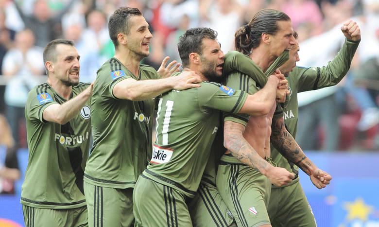 Legia wygrywa w Płocku po dramatycznym meczu. Lech znowu na dnie tabeli