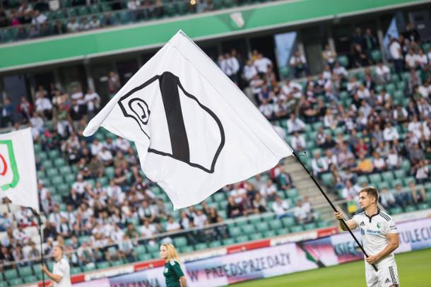 Kolejne kary dla Legii nałożone przez UEFA