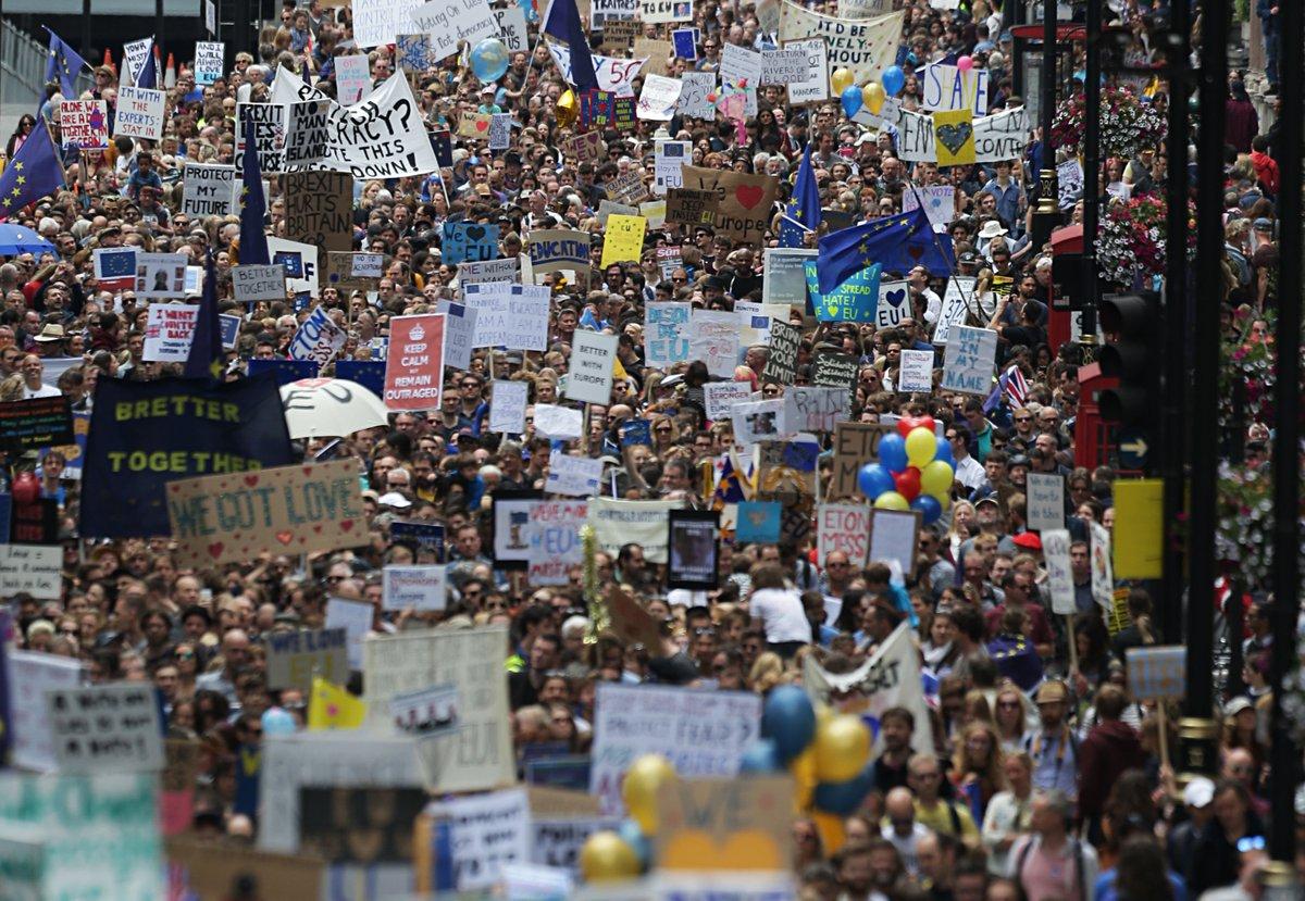Daily Telegraph: Londyn zagwarantuje unijnym imigrantom prawo pobytu po brexicie