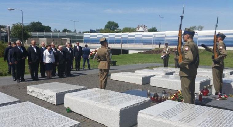 Prezes PiS o zbrodni wołyńskiej – ludobójcza operacja przeciwko Polakom