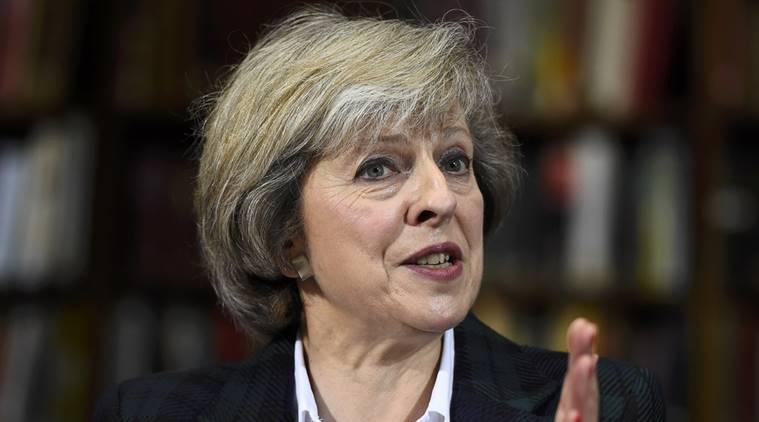 """Jacob Rees-Mogg: Theresa May musi wycofać się z miękkiego brexitu i """"uwierzyć w Brytanię"""""""