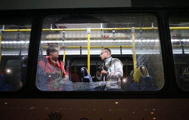 Rio de Janeiro – Atak na autobus przewożący dziennikarzy