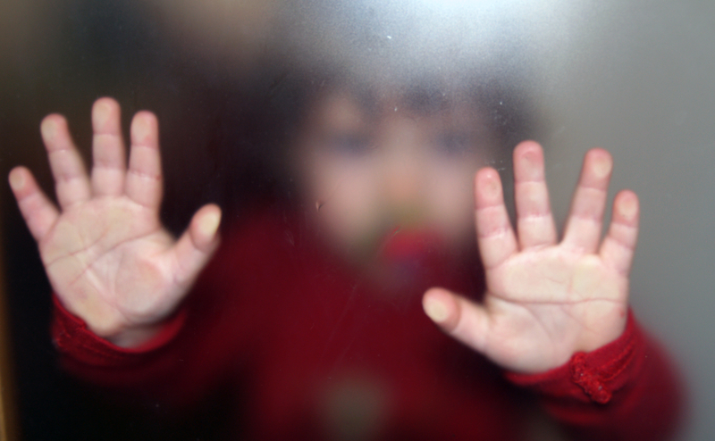 Dziewczynka wypadła z okna w Kołobrzegu. To prawdziwy cud, że przeżyła