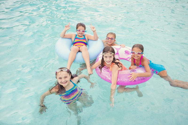 Blisko 5 milionów uczniów z całego kraju rozpoczyna wakacje